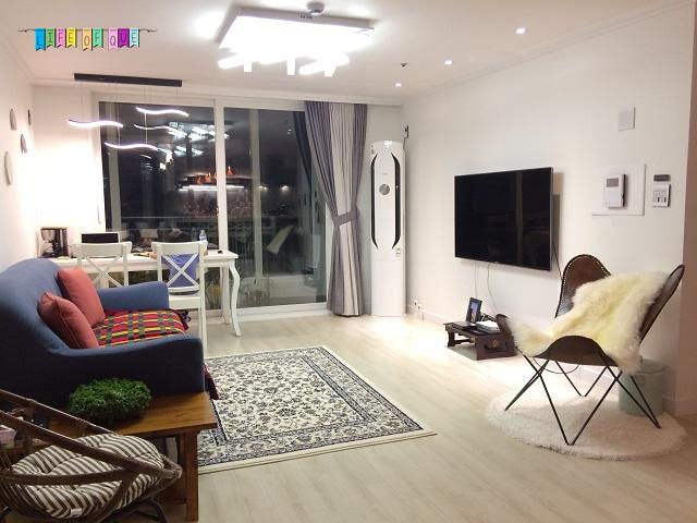 Haeundae Beach Clover House Living Room