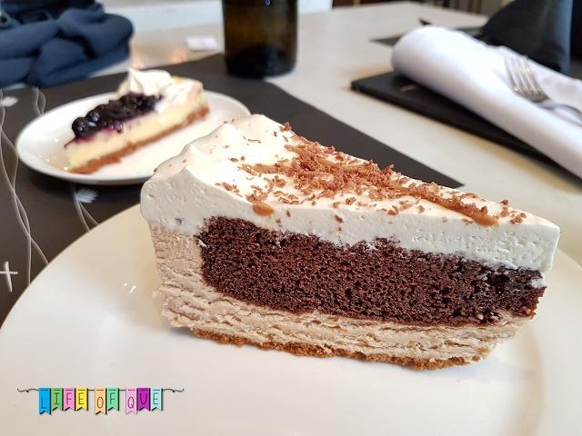 Tres Restaurant Snickers Pie